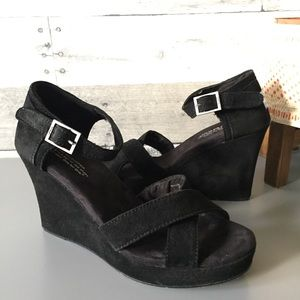 TOMS Strappy Black Suede Wedge Sandals Criss Cross